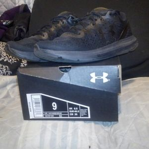 UnderArmour Women's Charged Impulse, size 9